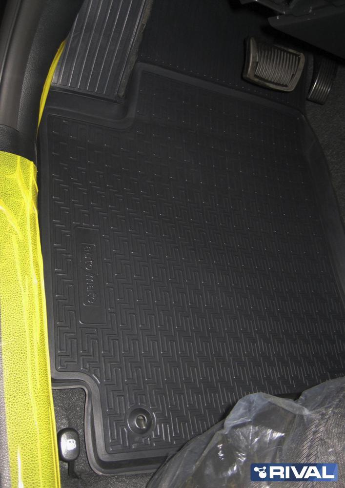 Комплект автомобильных ковриков Kia Rio 2011-2017  03001